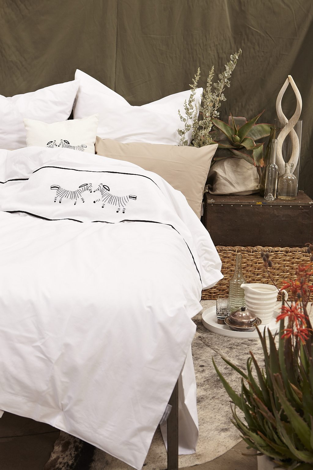 Hand Embroidered Duvet cover - Zebra